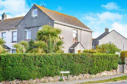 3 Bedrooms End Of Terrace House for sale in Porth, Newquay, Cornwall