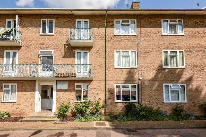 3 Bedrooms Apartment Flat for sale in Grove Avenue, Pinner, Middlesex, HA5