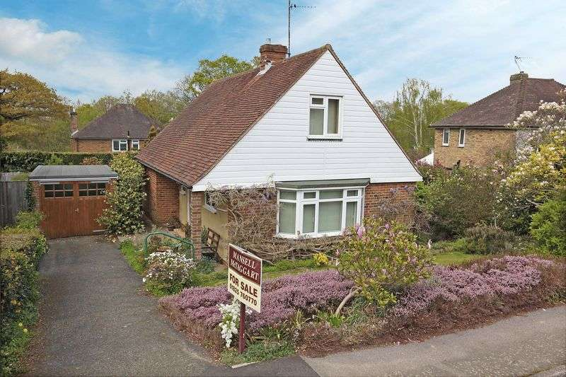 3 Bedrooms Detached House for sale in Claremont Rise, Uckfield, East Sussex