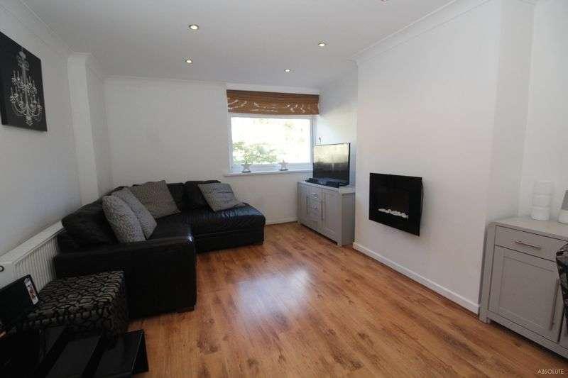 3 Bedrooms Terraced House for sale in Queensway, Torquay