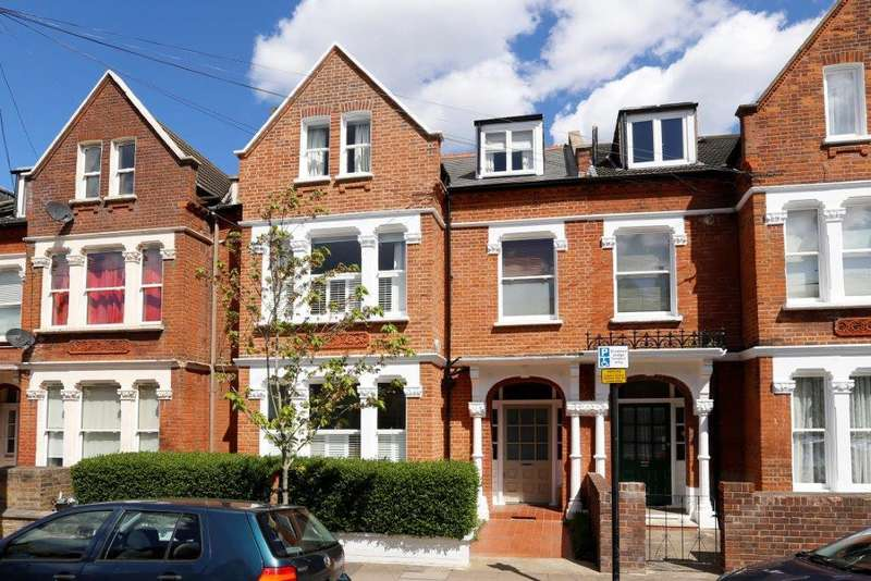 5 Bedrooms Terraced House for sale in Huron Road, London SW17