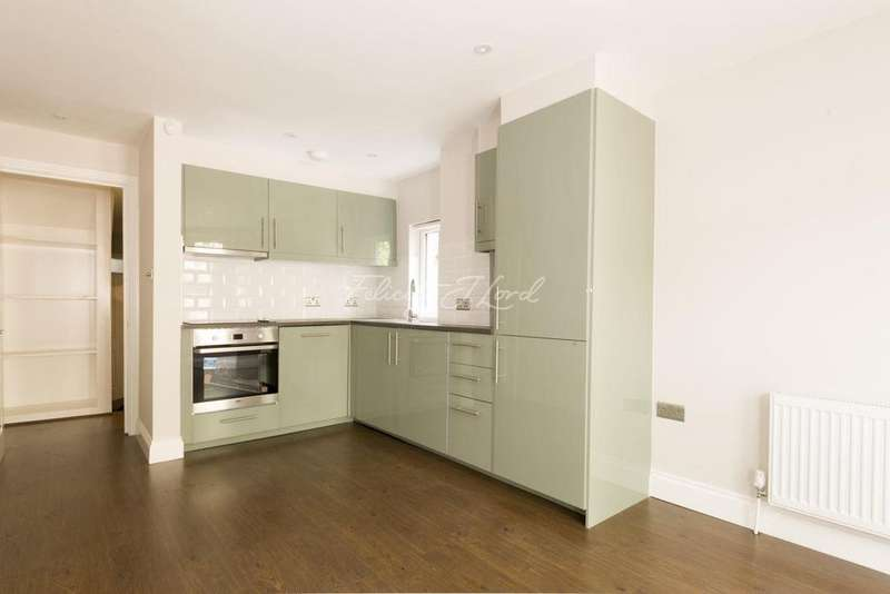 1 Bedroom Flat for sale in Manor Park Parade, SE13