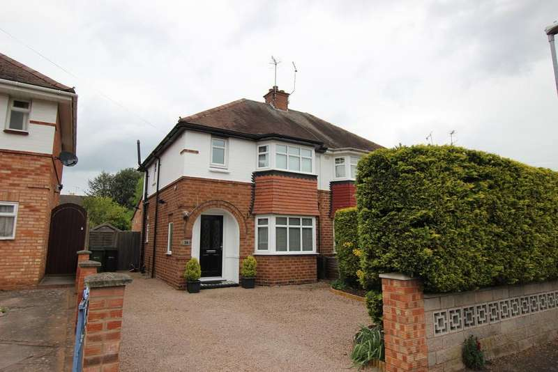 3 Bedrooms Semi Detached House for sale in Winchester Avenue, ST JOHNS