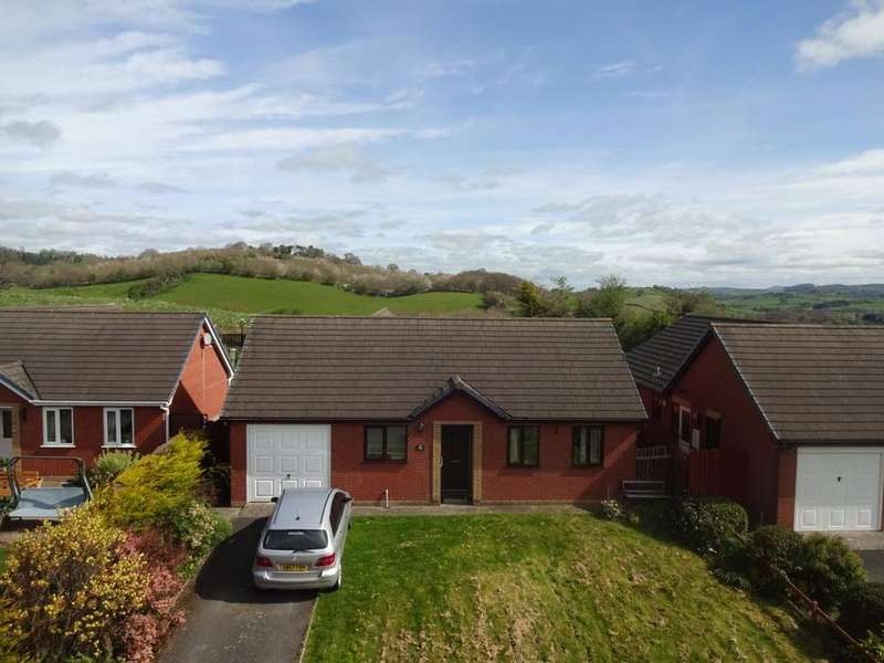 3 Bedrooms Detached Bungalow for sale in Churchill Close, Newtown, Powys