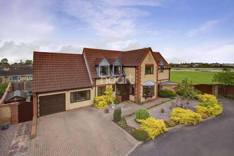 4 Bedrooms Detached House for sale in Hunts Close, Doddington