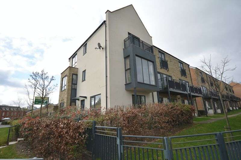 4 Bedrooms House for sale in Oakbank Drive, Accrington