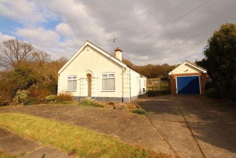 3 Bedrooms Detached Bungalow for sale in Bassenthwaite Road, Benfleet