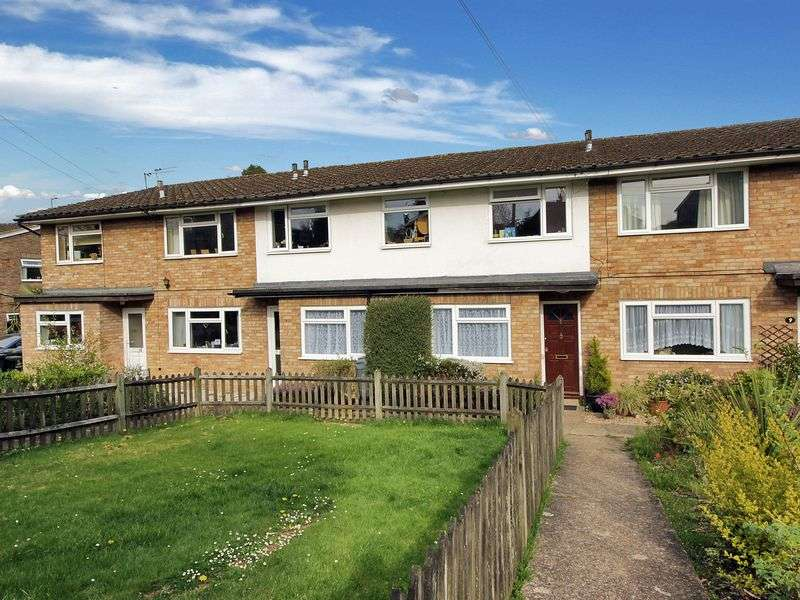 3 Bedrooms Maisonette Flat for sale in Green Lane, Crowborough, East Sussex