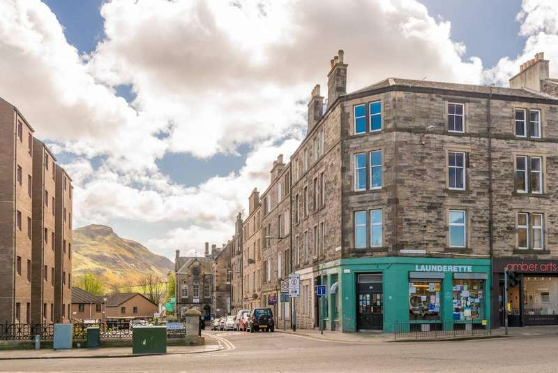 2 Bedrooms Flat for sale in 1 (3F2) Abbey Street, Abbeyhill, EH7 5SJ