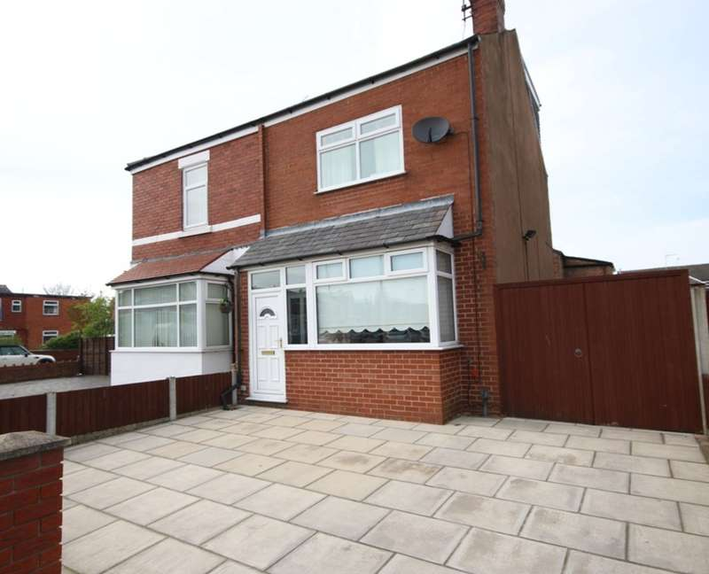 3 Bedrooms Semi Detached House for sale in Newton Street, Southport