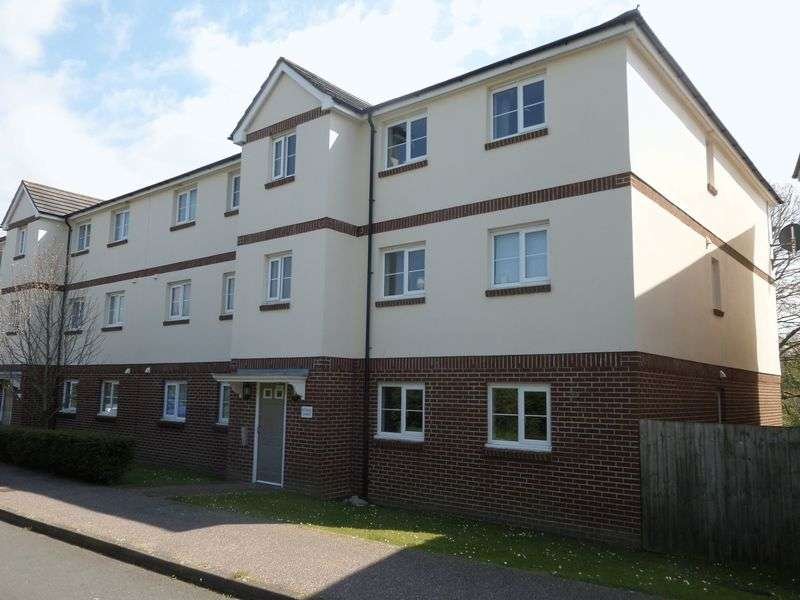 2 Bedrooms Flat for sale in Buckland Close, Bideford