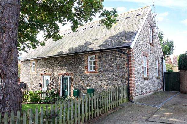 3 Bedrooms Semi Detached House for sale in The Art Barn, East Street, Littlehampton, West Sussex, BN17