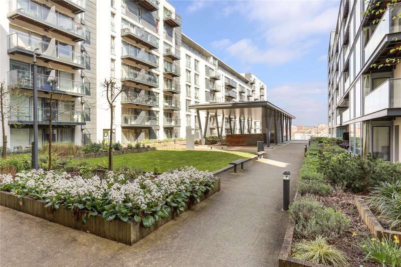 2 Bedrooms Flat for sale in Cardinal Building, Station Approach, Hayes, UB3