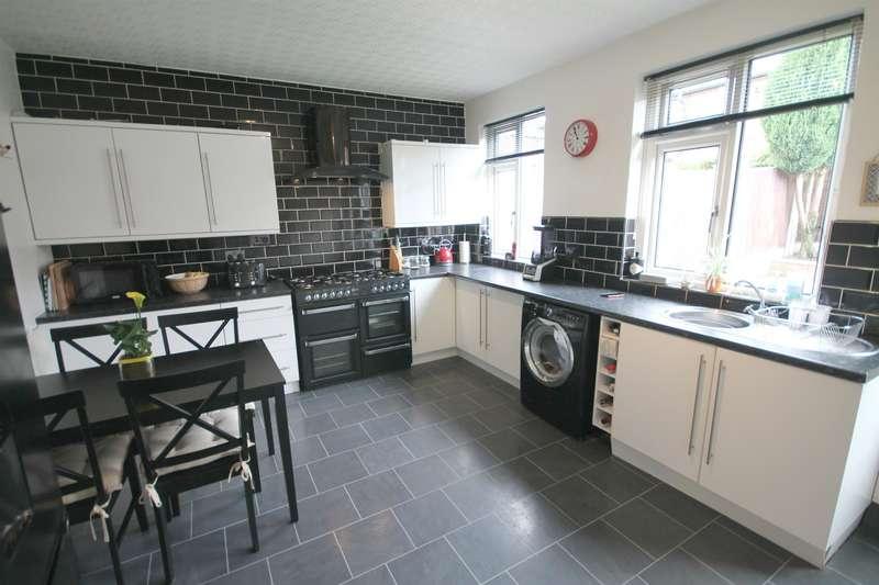 3 Bedrooms Semi Detached House for sale in Beech Avenue, Kearsley, Bolton, BL4 8SB