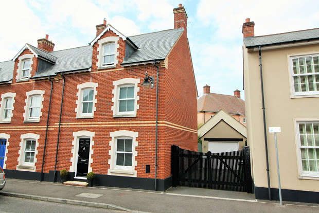 4 Bedrooms Property for sale in Masterson Street, Exeter, EX2