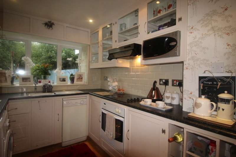 3 Bedrooms Terraced House for sale in Eynon Street, Swansea, Swansea, SA4