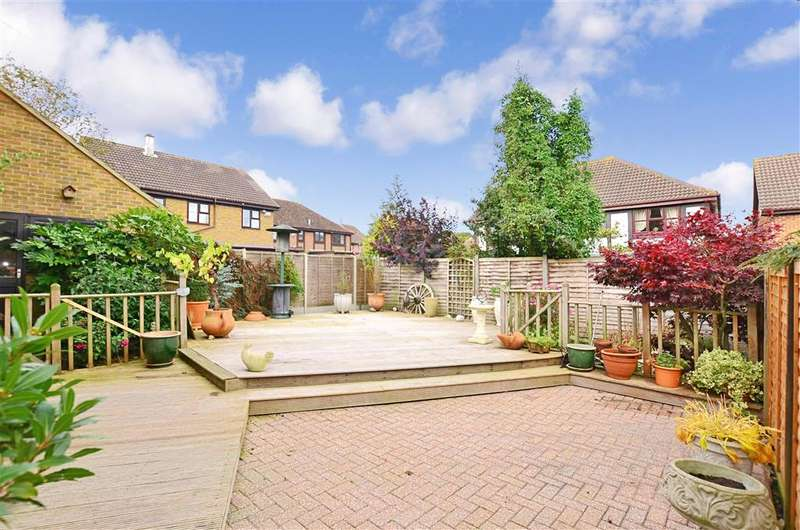 4 Bedrooms Detached House for sale in Mayford Road, Walderslade, Chatham, Kent