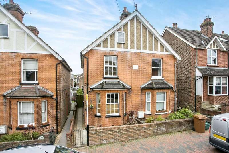 3 Bedrooms Semi Detached House for sale in Meadow Road, Rusthall