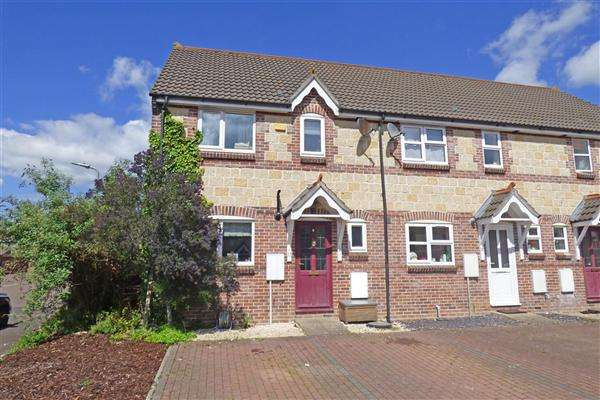3 Bedrooms Semi Detached House for sale in Crofts Mead, Wincanton