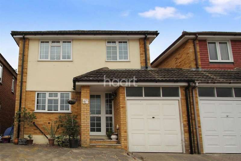 4 Bedrooms Detached House for sale in Hullbridge