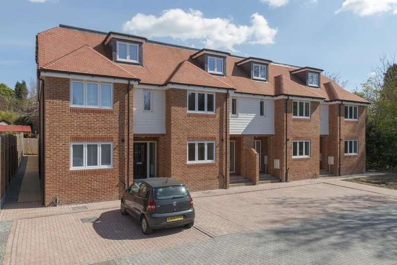 4 Bedrooms House for sale in Norheads Lane Biggin Hill TN16