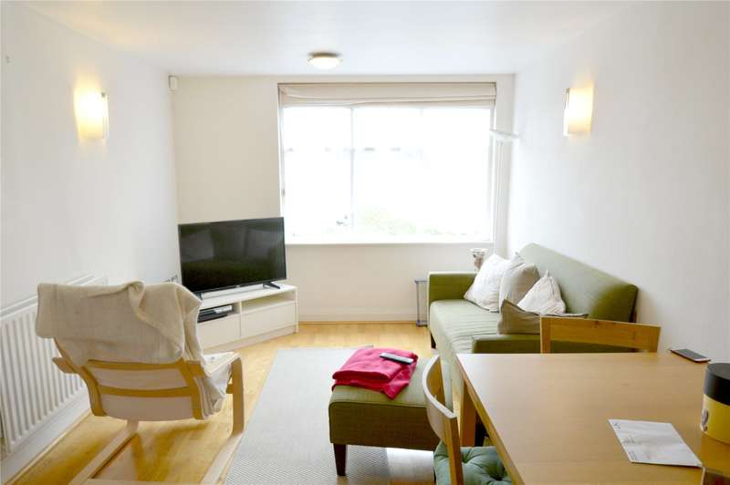 2 Bedrooms Apartment Flat for sale in Pampisford Road, South Croydon