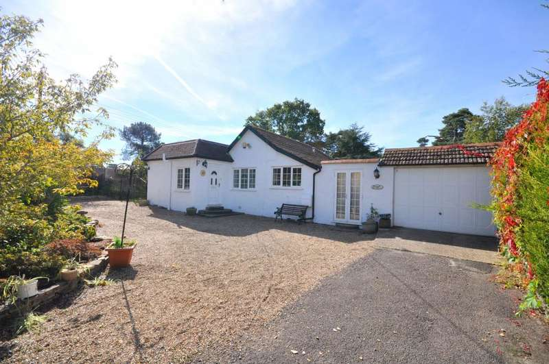 3 Bedrooms Detached Bungalow for sale in Breaside Road, St Leonards, Ringwood, BH24 2 PQ