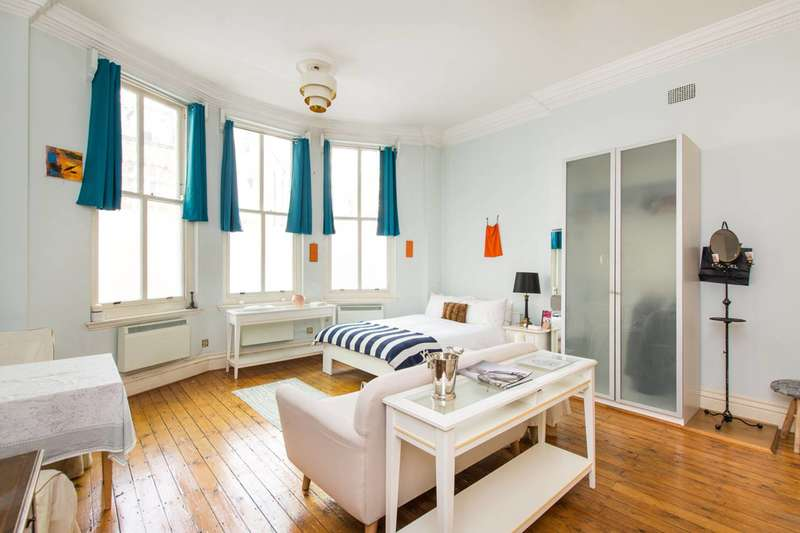 Studio Flat for sale in Kensington Court, Kensington, W8