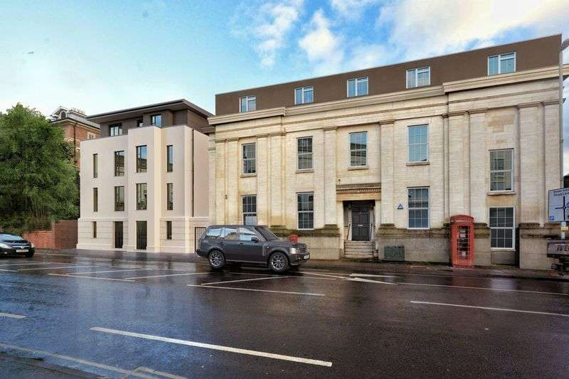2 Bedrooms Flat for sale in Southgate Street, Gloucester