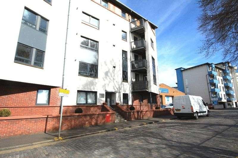 2 Bedrooms Flat for sale in Coburg Street, Edinburgh