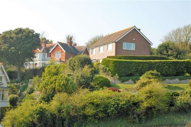4 Bedrooms Detached House for sale in Coolinge Lane, Sandgate, Folkestone