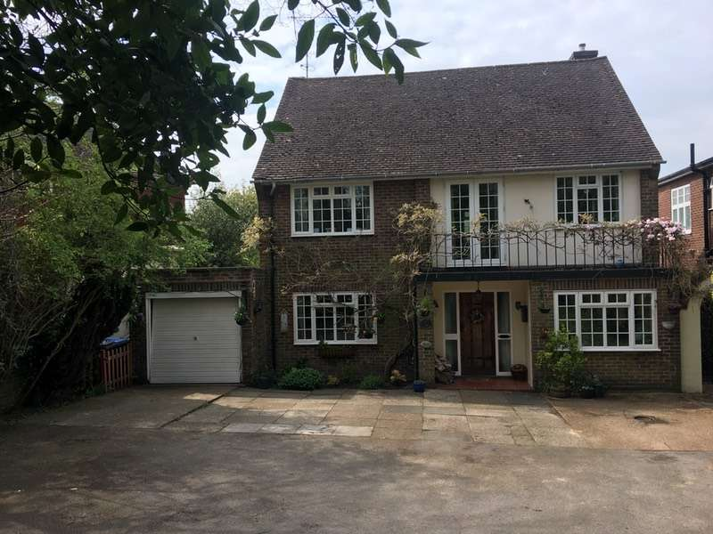 3 Bedrooms Detached House for sale in Paddockhall Road, Haywards Heath, West Sussex, RH16