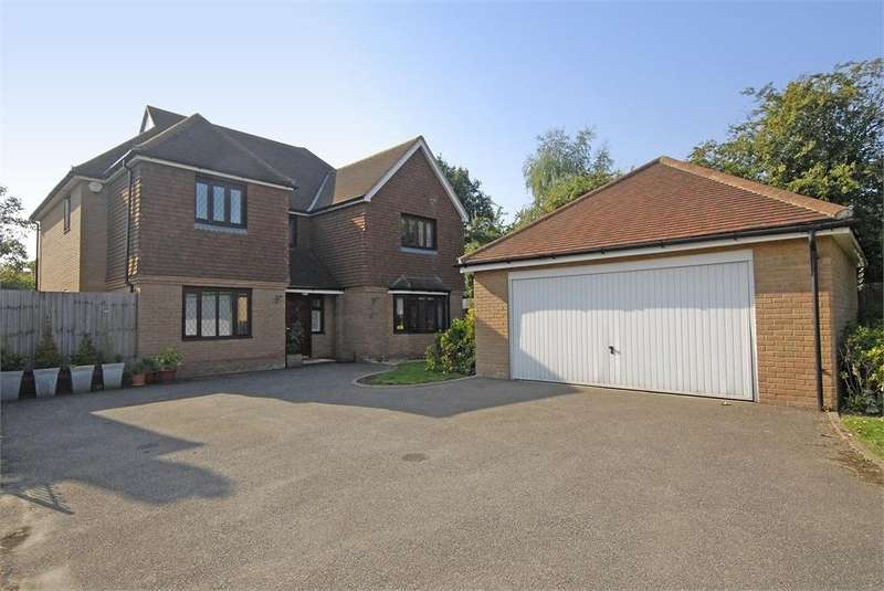 5 Bedrooms Detached House for sale in Fidgeon Close, Bickley, Bromley, Kent