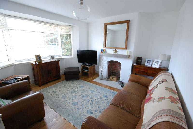 3 Bedrooms Semi Detached House for sale in Sussex Gardens, Birchington