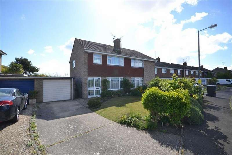 3 Bedrooms Semi Detached House for sale in Russet Way, Burnham-on-Crouch, Essex