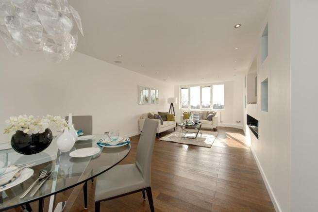 2 Bedrooms Flat for sale in Cavendish House, Wellington Road, St John's Wood, London, NW8