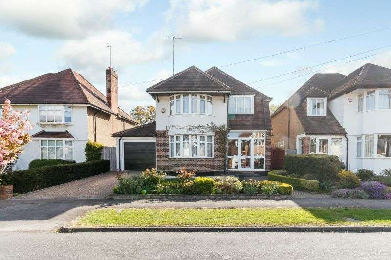 4 Bedrooms Detached House for sale in St. Marys Avenue, Northwood