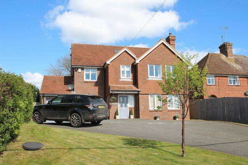 5 Bedrooms Detached House for sale in Loxwood Road, Tismans Common
