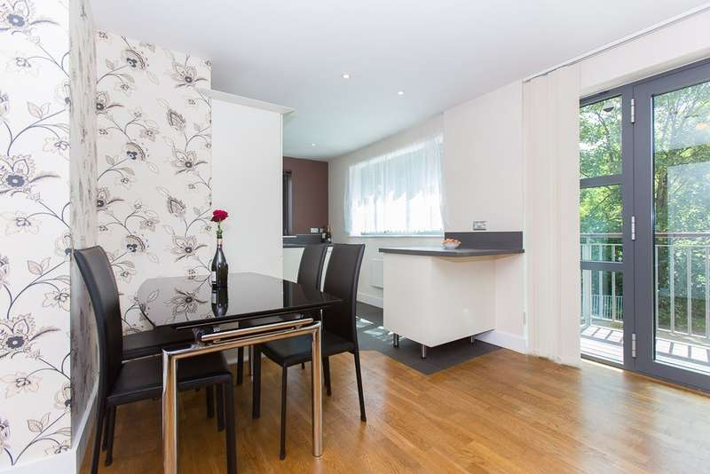 2 Bedrooms Apartment Flat for sale in Baron House, Colliers Wood, SW19