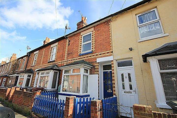 2 Bedrooms Terraced House for sale in Kensington Road, Reading, RG30