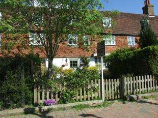 3 Bedrooms Terraced House for sale in Everton Cottages, High Street, Burwash, Etchingham