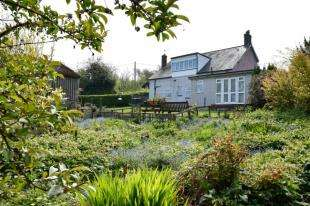 3 Bedrooms Detached House for sale in Heathfield Road, Burwash Common, Etchingham, East Sussex