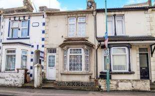 3 Bedrooms Terraced House for sale in Livingstone Road, Gillingham, Kent, .