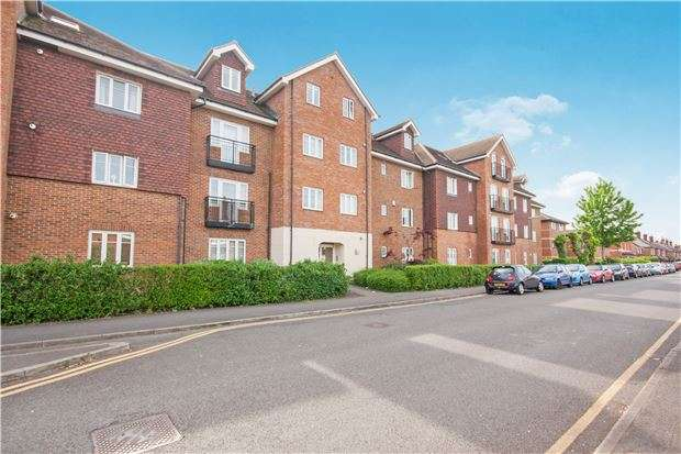 2 Bedrooms Flat for sale in Horley, Rh6