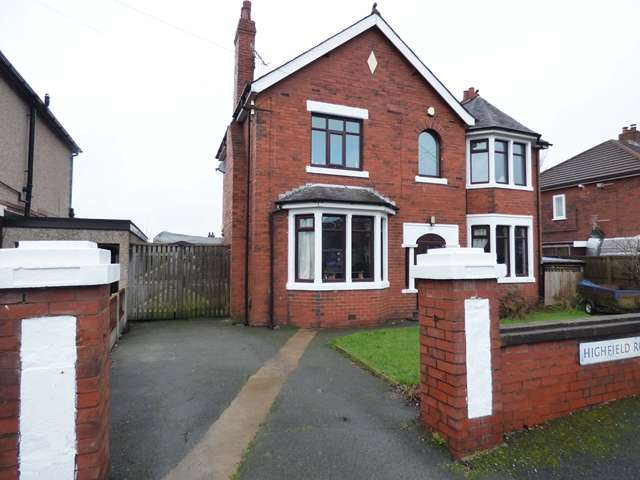 5 Bedrooms Detached House for sale in Highfield Road North, Chorley, PR7
