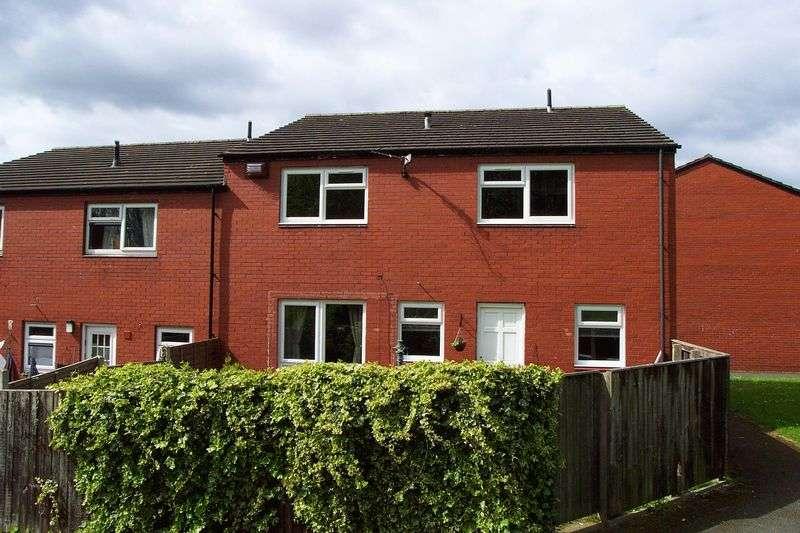 2 Bedrooms Semi Detached House for sale in Rosebank Gardens, Leeds