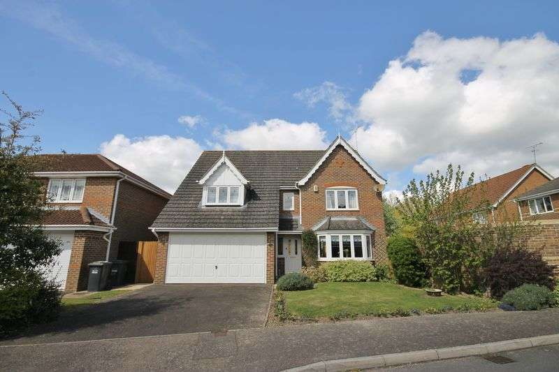 4 Bedrooms Detached House for sale in Bramble Gardens, Burgess Hill, West Sussex