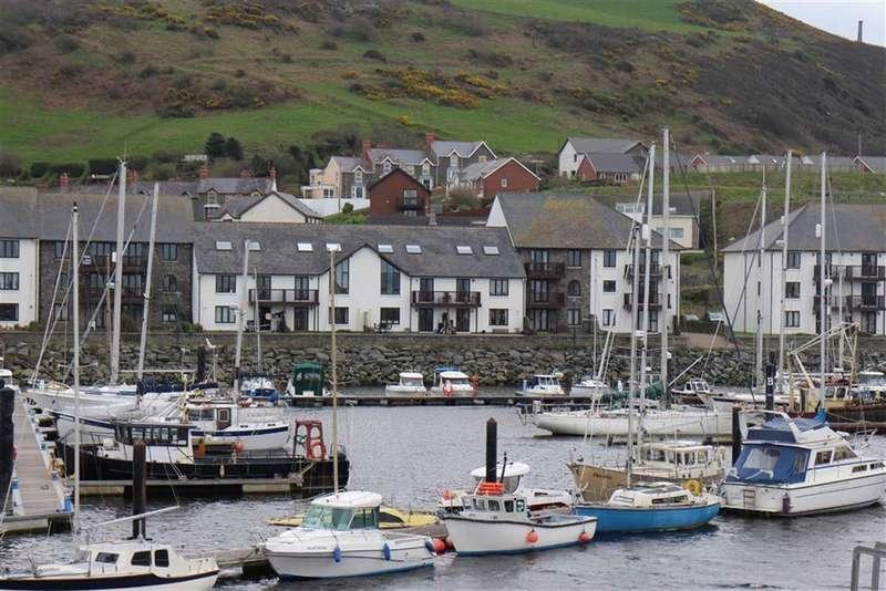 2 Bedrooms Flat for sale in Y Lanfa, Trefechan, Aberystwyth