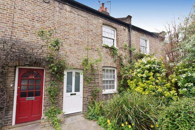 2 Bedrooms House for sale in Dalling Road, Hammersmith W6, Hammersmith W6