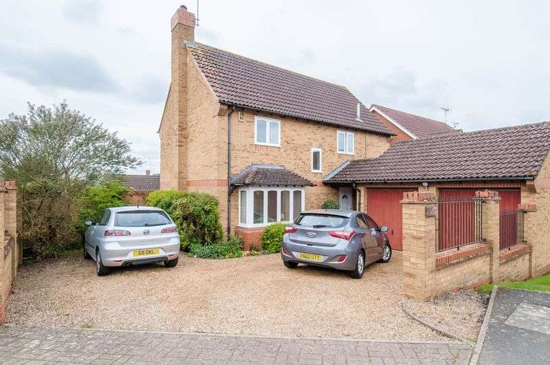 4 Bedrooms Detached House for sale in Gardenfield, Higham Ferrers, Rushden